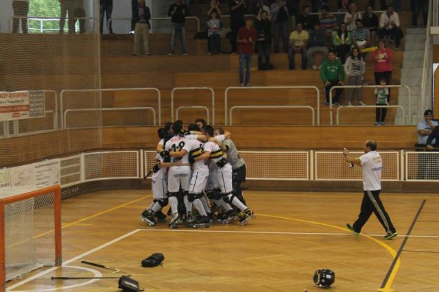 Hóquei Académico de Cambra, campeão da 2ª Divisão