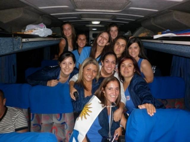 Comitiva uruguaia de partida
